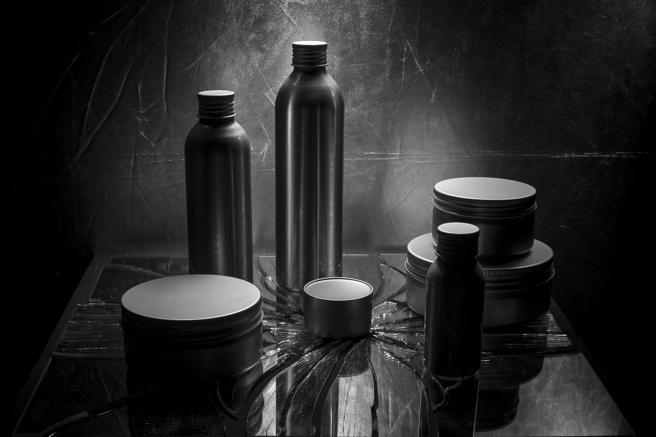 fotografie flaconi alluminio vasetti